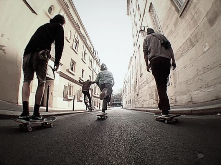 Pushing / Parisii