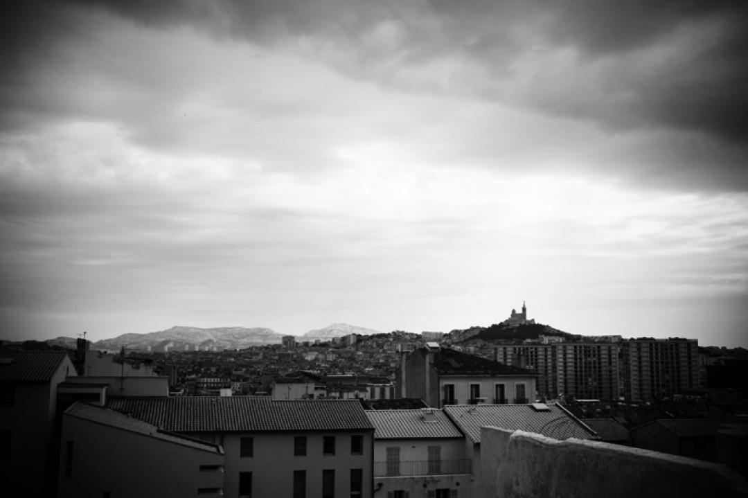 """Qui va à Marseille sans faire une photo de la """"Bonne Mère""""?"""