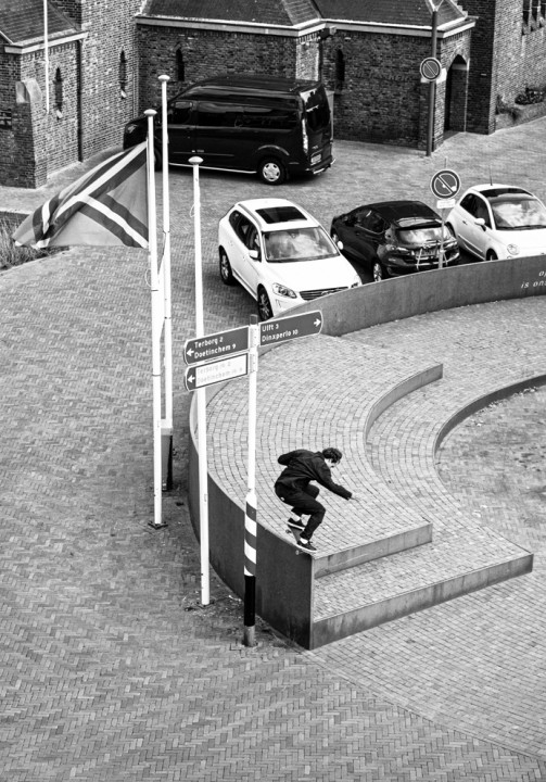 Rob Maatman, backside nosegrind. ph: Davy Van Laere