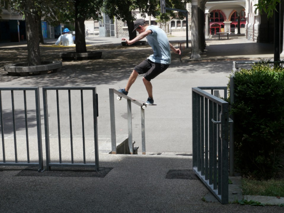 Jérôme Collomb, frontside board slide. photo: Jason Singer