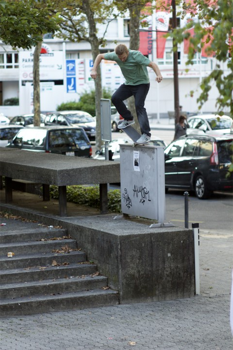 Scott Reid, backside nosegrind. photo: David Goldsworthy